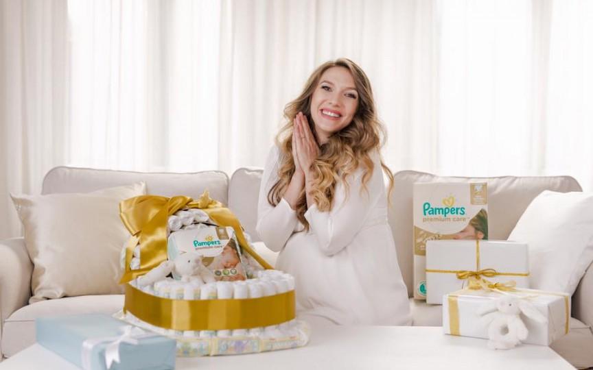 Adela Popescu - prima poză și primul mesaj după naștere