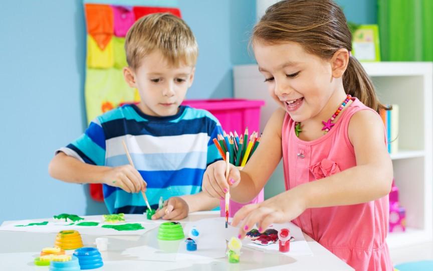 O activitate pe placul copiilor și care le oferă timp liber părinților
