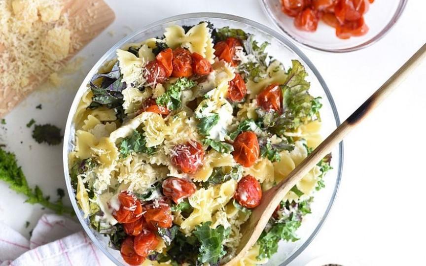 Paste cu salată Caesar