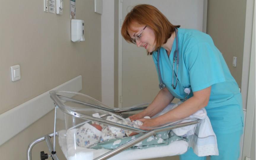 Explică neonatologul: Ce trebuie să știe părinții despre vaccinarea nou-născuților