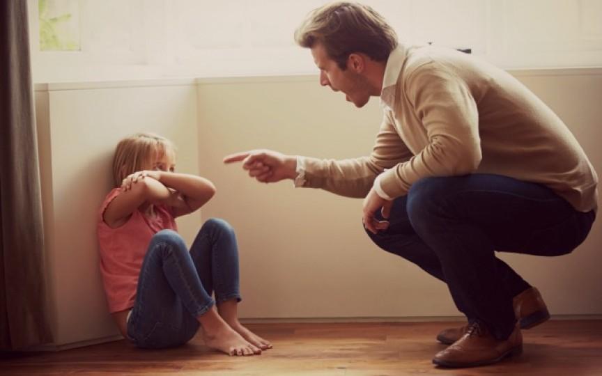 6 greșeli pe care le faci atunci când ești în conflict cu copilul tău