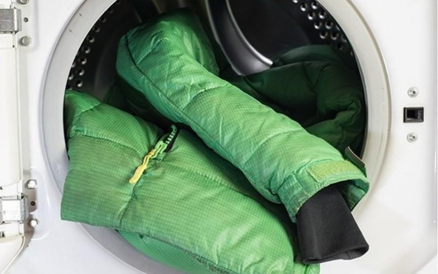 7 pași simpli pentru curățarea corectă a gecilor din puf în mașina de spălat