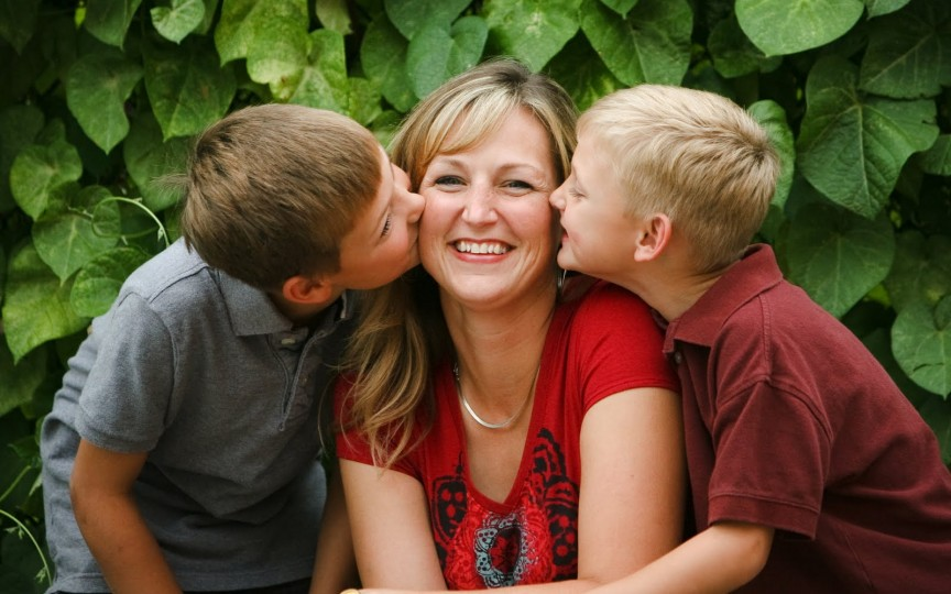 10 reguli de care se conduc mamele din Franța