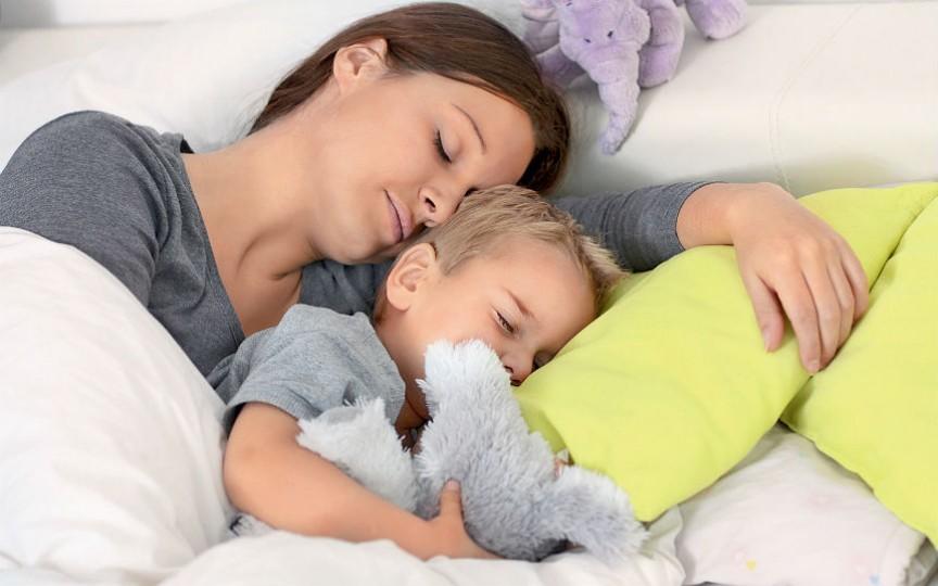 Bloggerița Prințesa Urbană își dezvăluie secretul de adormire rapidă a copiilor