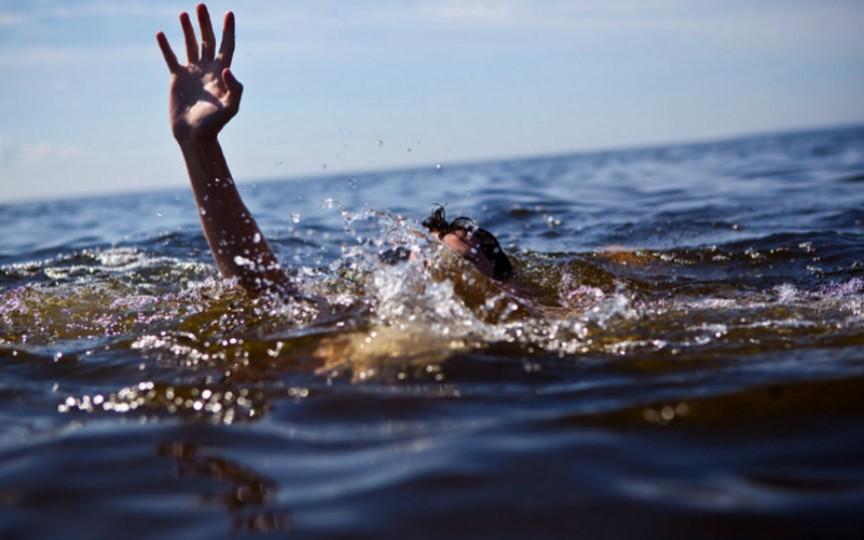 O fetiță de 11 ani din Moldova a dispărut în mare în stațiunea Eforie Nord