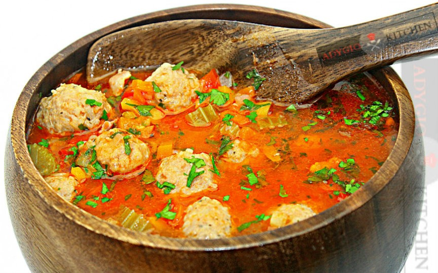 Rețeta tradițională a supei de perișoare cu legume