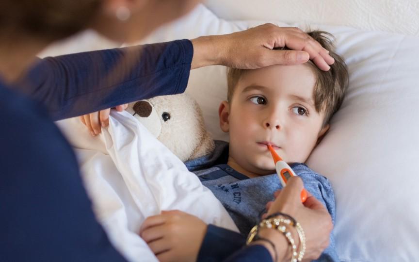 Cum ne ajutăm copiii să treacă mai ușor prin varicelă și bolile copilăriei