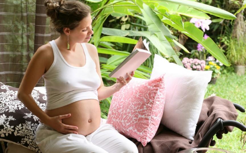 Top 5 cărți despre sarcină preferate de mămici