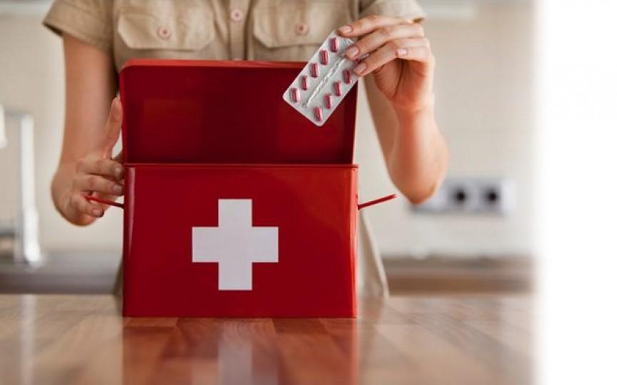 Ce trebuie să conțină trusa medicală de vacanță a copilului