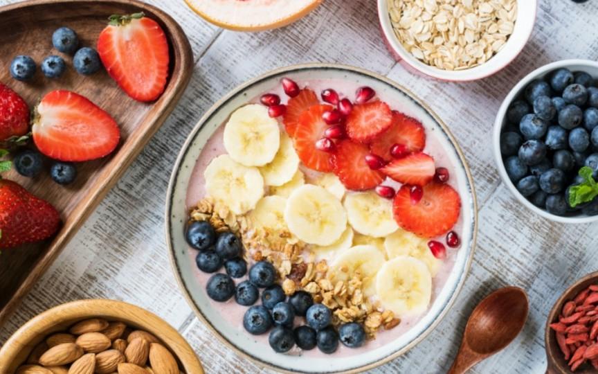 15 gustări delicioase care ajută la slăbit