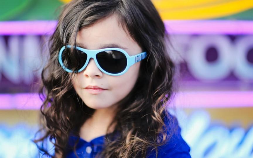 Cum alegem ochelarii de soare pentru copii