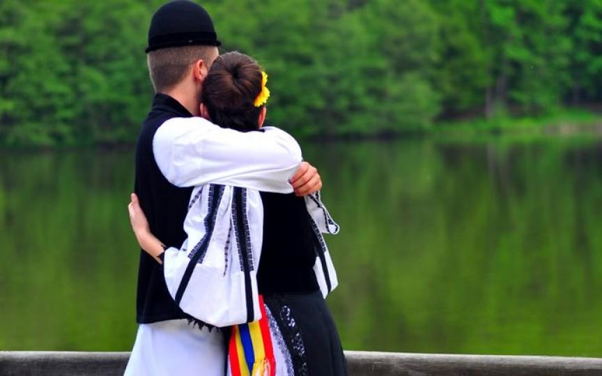 Tradiții și obiceiuri de Dragobete, când se sărbătorește Dragostea