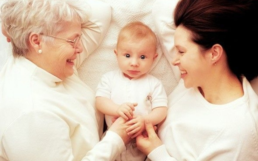 Experiența unei mame: Cum trebuie să își impună părinții autoritatea în fața bunicilor!