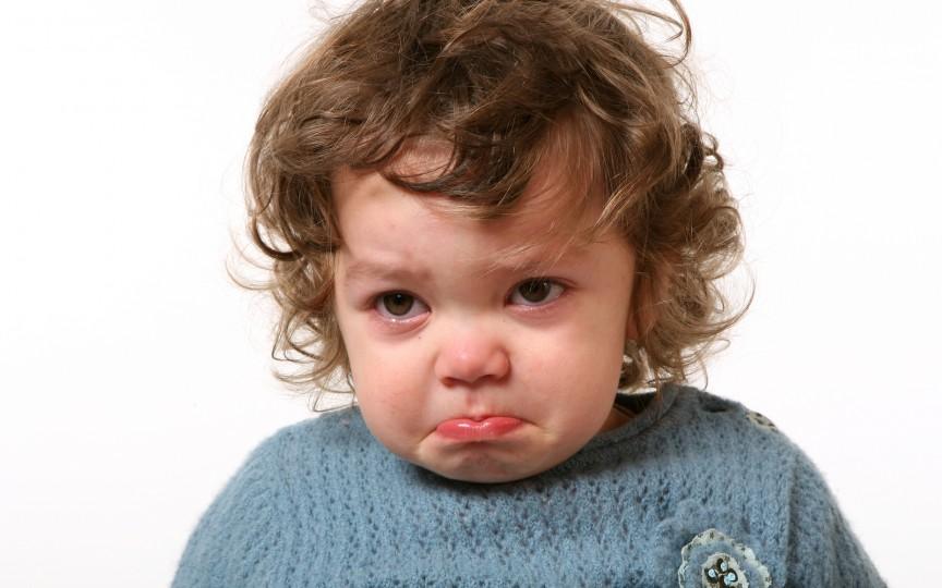 Expresiile care te vor ajuta să îți calmezi copilul atunci când este furios și supărat