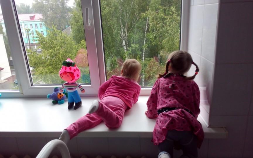 Astăzi copiii petrec timpul afară cam jumătate din cât petreceau, la aceeași vârstă, părinții lor