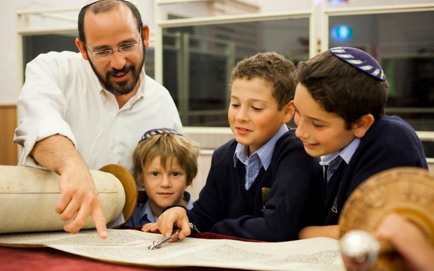 Printre evrei sunt cei mai mulți genii. Aceștia au 7 reguli de aur pentru educația copiilor
