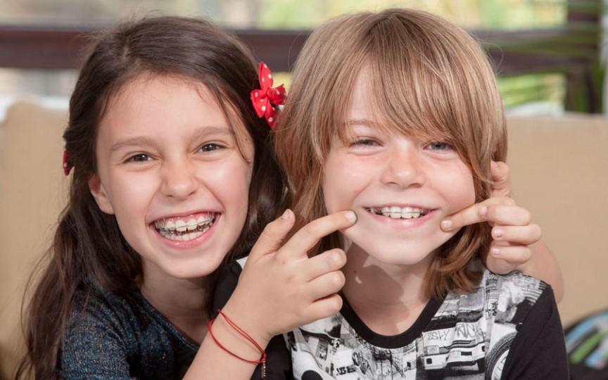 La ce vârstă este indicat aparatul dentar la copii. Tot ce trebuie să știi!