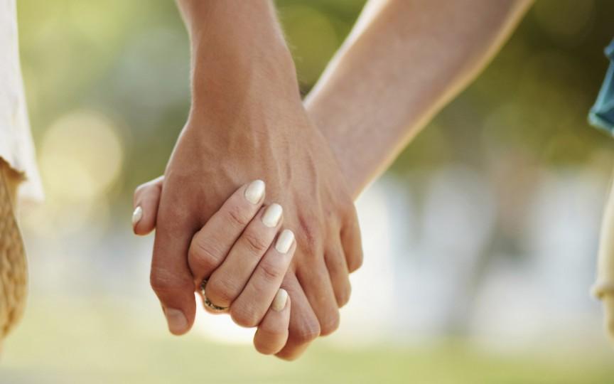 Medic obstetrician-ginecolog: Fiecare al 5-lea adult este infectat cu herpes genital, dobândit acesta rămâne în corp toată viața