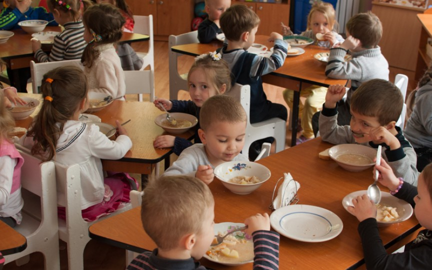 Noi meniuri pentru copiii din şcoli şi grădiniţe