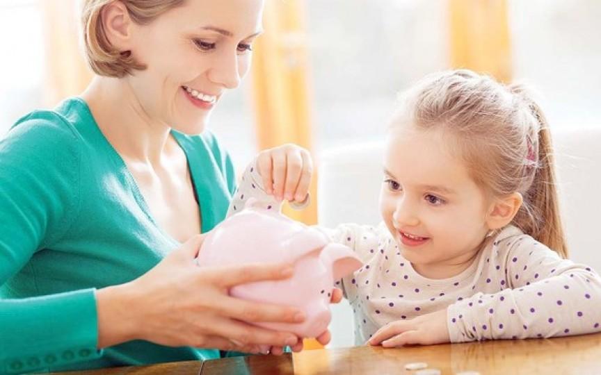Indemnizația minimă pentru îngrijirea copilului a fost majorată cu 10%