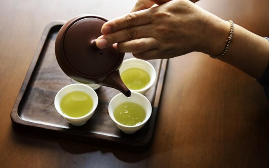 Specialist ceaiuri: Ceaiul adevărat este cultivat în ferme mici, în mod tradiţional, iar la pliculeţe sunt doar resturi