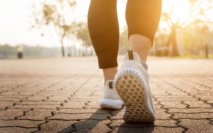 Mersul pe jos menține creierul sănătos