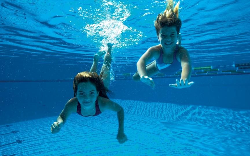 Află care este vârsta bună pentru înot!