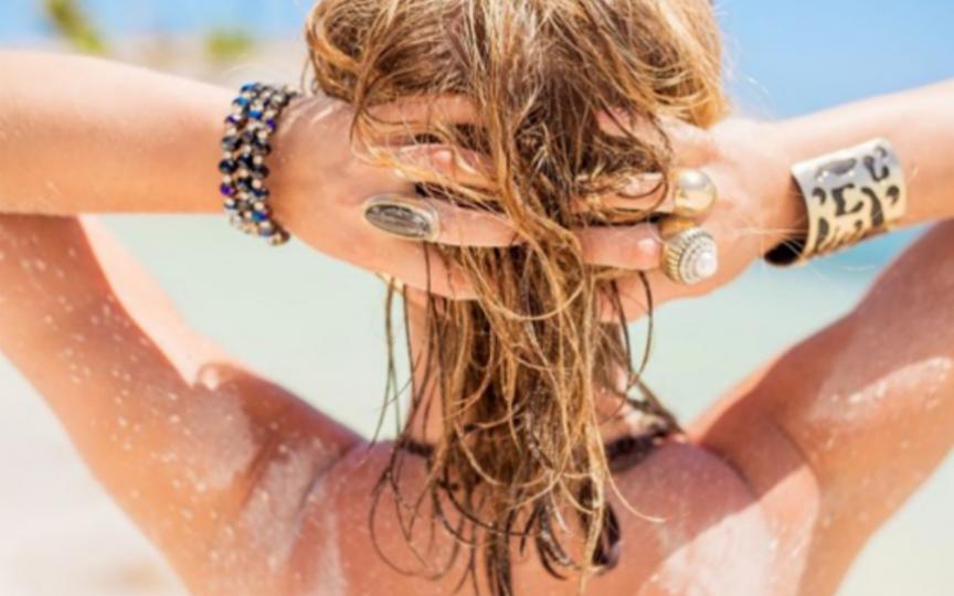 Cum ne îngrijim pielea după plajă