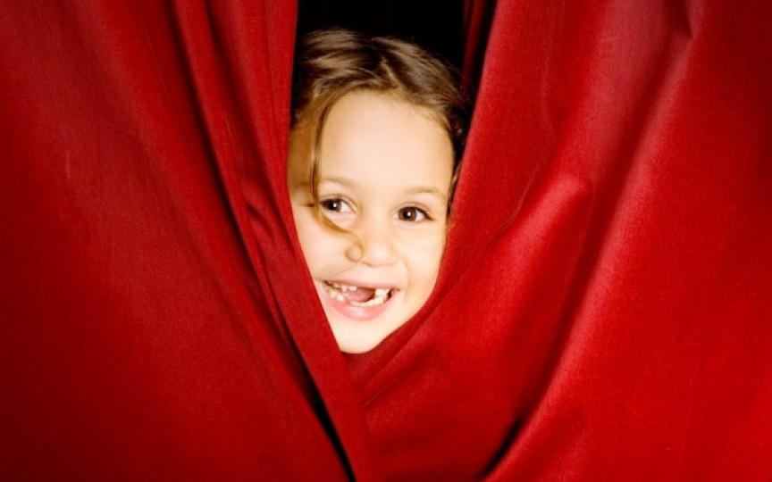 Cursuri pentru copii: oratorică, actorie, arta scenică și arta vorbirii