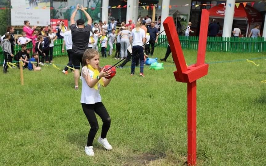 """Zeci de jocuri distractive GRATUITE pentru copii la starturile vesele """"Familia mea"""""""