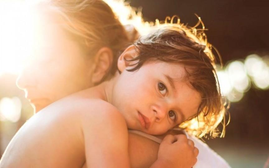 7 lucruri pe care trebuie să le cunoască mamele singure cu băieți