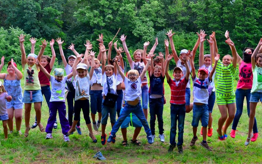 Vacanța Mare se apropie cu pași grăbiți și ILTC anunță înscrierile la tabăra de vară!