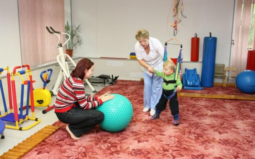 În raioane se instituie servicii pentru copiii cu dizabilități. Peste 12 mii de copii au nevoie de ele