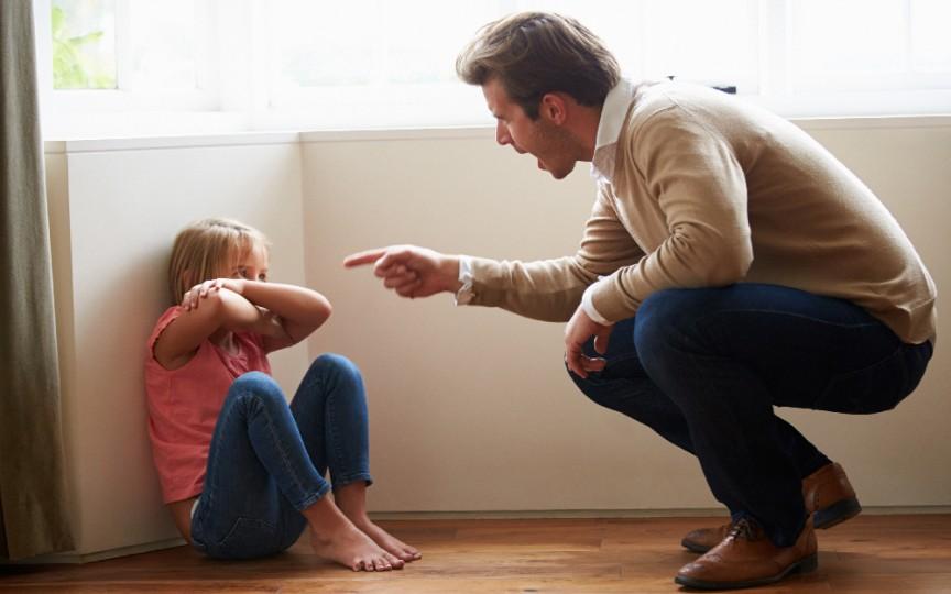 Semne evidente că ești un părinte toxic