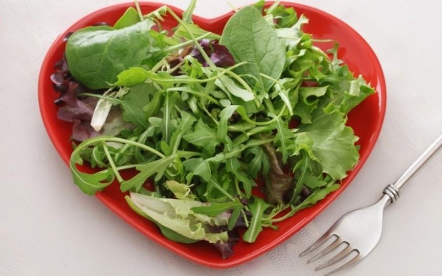 Topul verdețurilor care curăță ficatul de toxine și ne scapă de kilogramele în plus