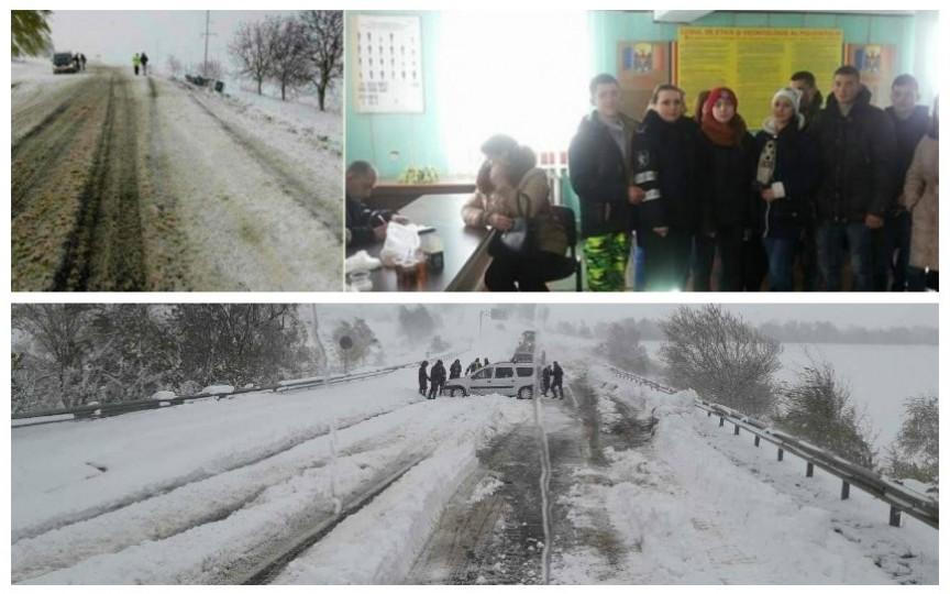 La Șoldănești s-a răsturnat un microbuz plin cu copii