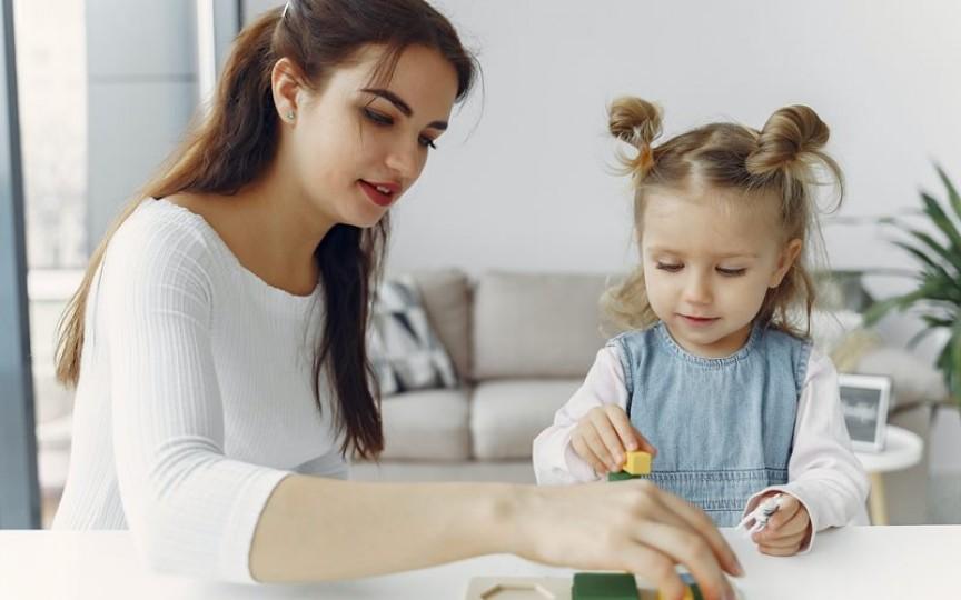 """10 fraze Montessori pe care să le folosești în loc de banalul """"Bravo!"""""""