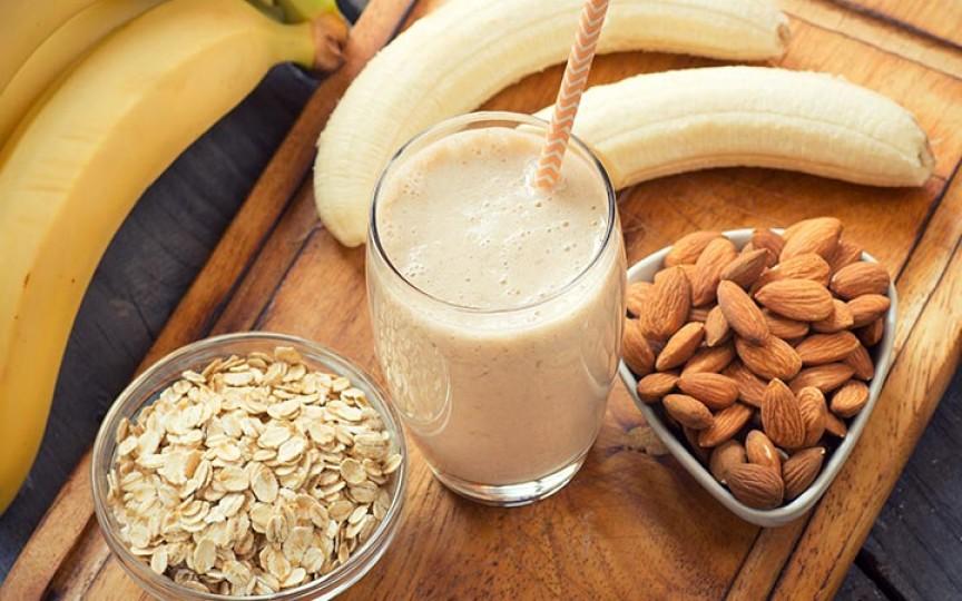 7 reţete de smoothies  recomandate pentru stimularea lactaţie