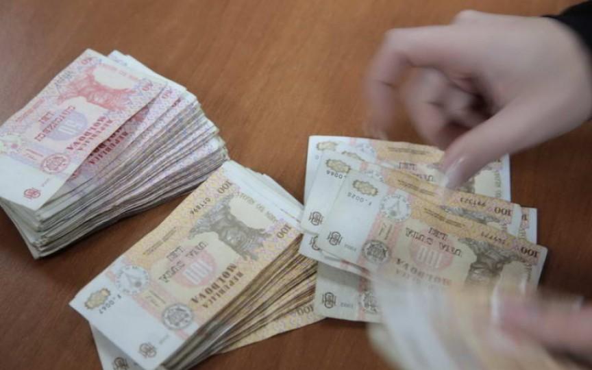 Condițiile în care familiile pot solicita ajutor financiar de 4 mii de lei per copil