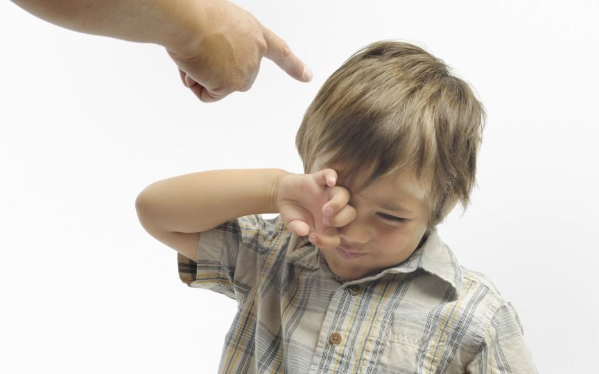 Metoda simplă și eficientă cum să-ți înveți copilul să nu te mai întrerupă