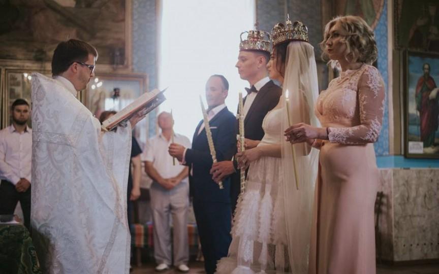 Preotul Maxim Melinti combate superstițiile legate de nuntă și cununie