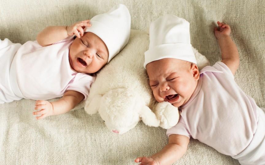 4 mituri despre îngrijirea bebelușului
