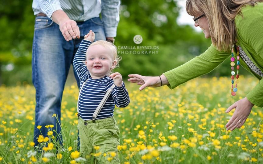 Beneficiile plimbărilor de primăvară pentru sănătatea copilului tău