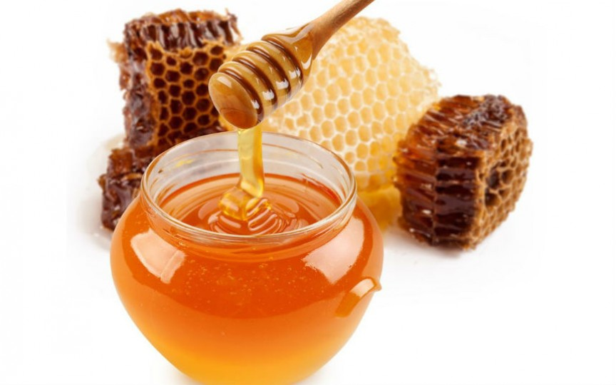 Iată ce va fi dacă vei consuma zilnic câte o lingură de miere cu scorțișoară