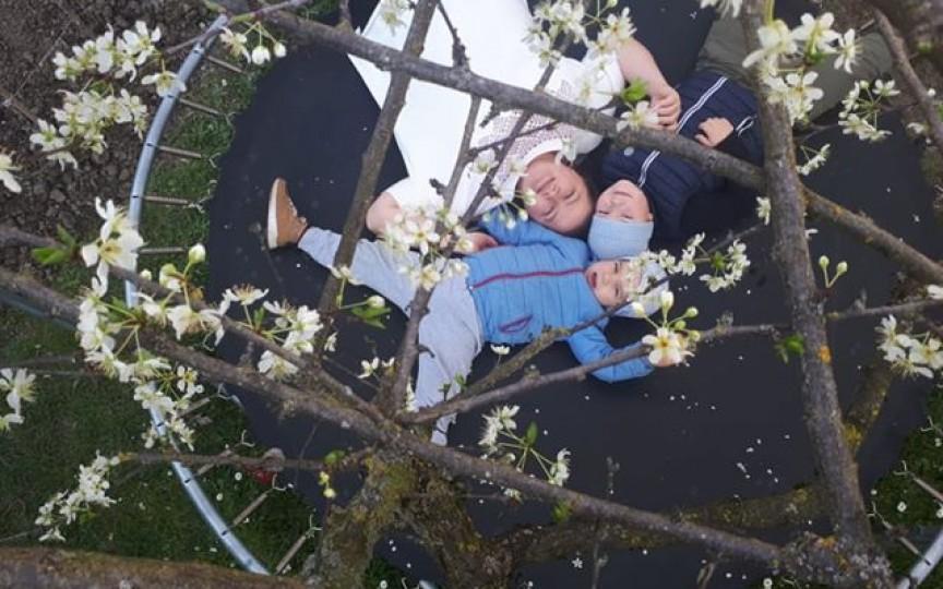 (FOTO) O mamă moldoveancă din Italia relatează cum face față carantinei cu copiii acasă deja de 3 săptămâni