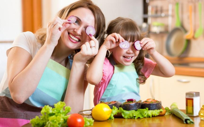 Află cum să creezi obiceiuri sănătoase în alimentaţia copilului tău