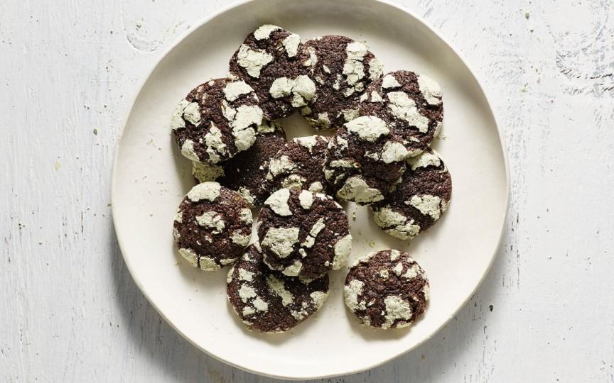 Rețetă de Crăciun: Fursecuri crăpate cu ciocolată