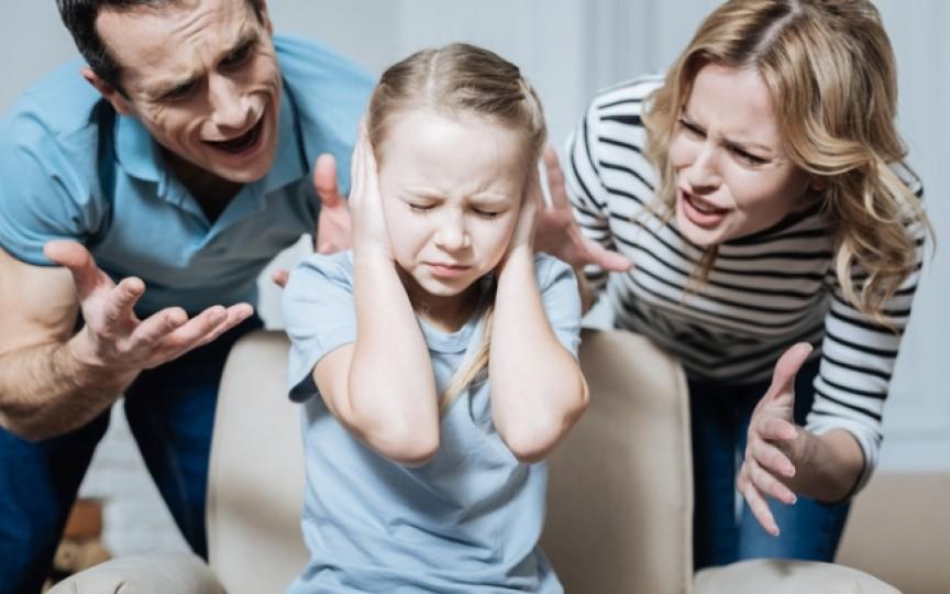 Opinia unei mame: Pe mine mă enervează la culme îmbinarea de cuvinte adresate copiilor - să fii cuminte!