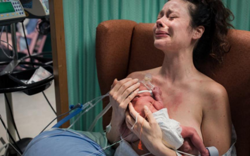 Cele mai impresionante fotografii de la naștere premiate în anul curent