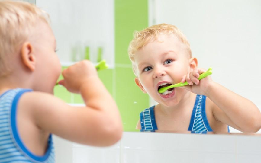 Nou! Pastă de dinți pentru copii 100% naturală